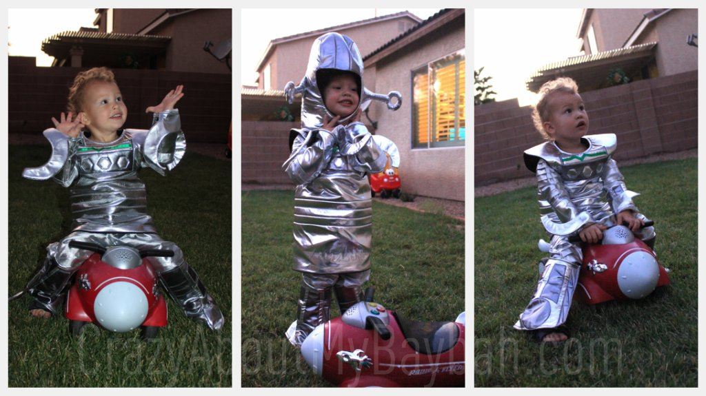 sc 1 st  Art Crafts u0026 Family & Chasing Fireflies Review | Robot Costume